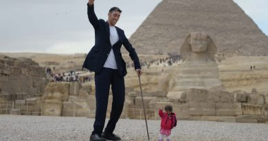 worlds-tallest-man-shortest-woman-bgzone_top